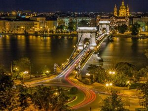 BUSINESS & INVESTMENT OPPORTUNITIES IN HUNGARY
